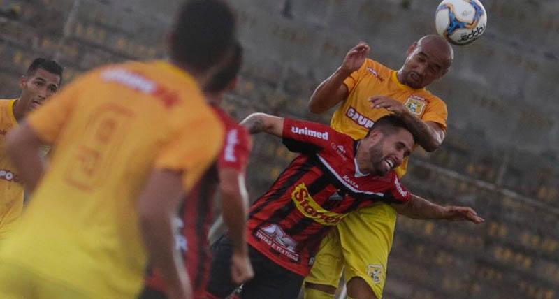 com-dois-gols-anulados-brasiliense-empata-com-ituano-sp