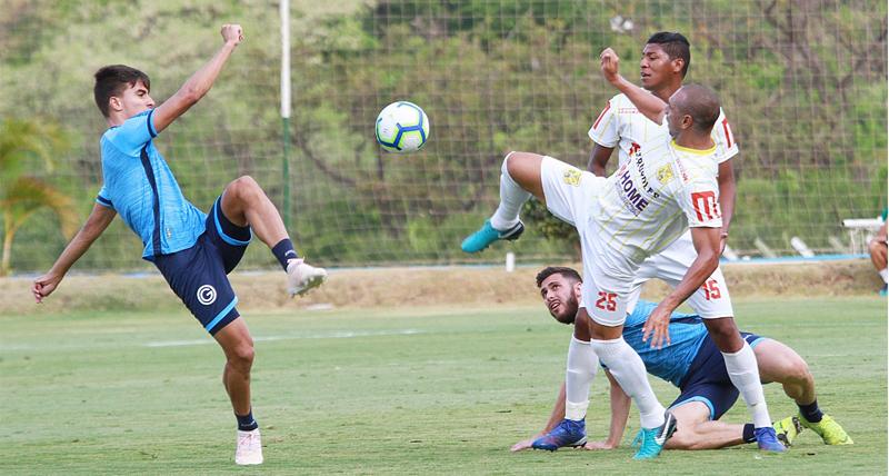 brasiliense-domina-goias-e-vence-jogo-treino-por-2-a-0-em-goiania