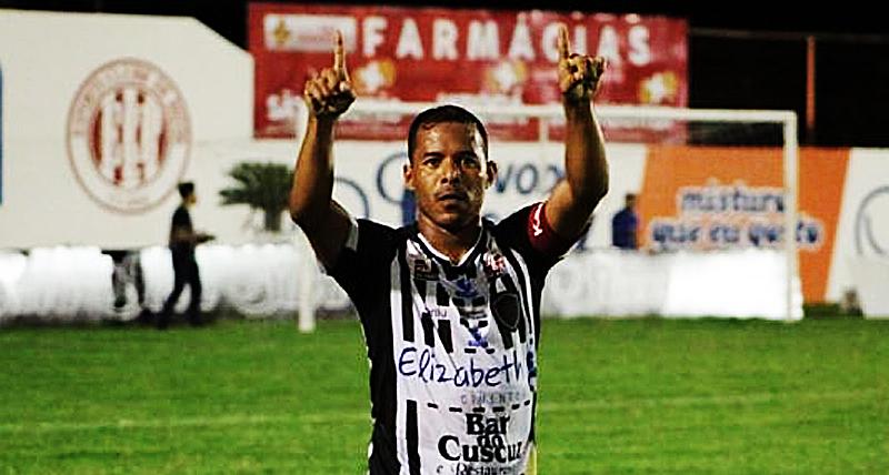 brasiliense-fecha-com-meia-destaque-do-botafogo-pb