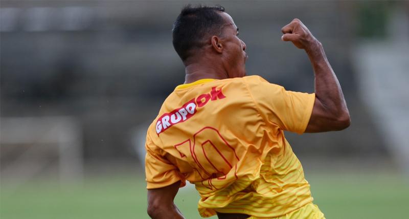 marcos-aurelio-marca-dois-e-brasiliense-estreia-com-vitoria-no-candangao-2020