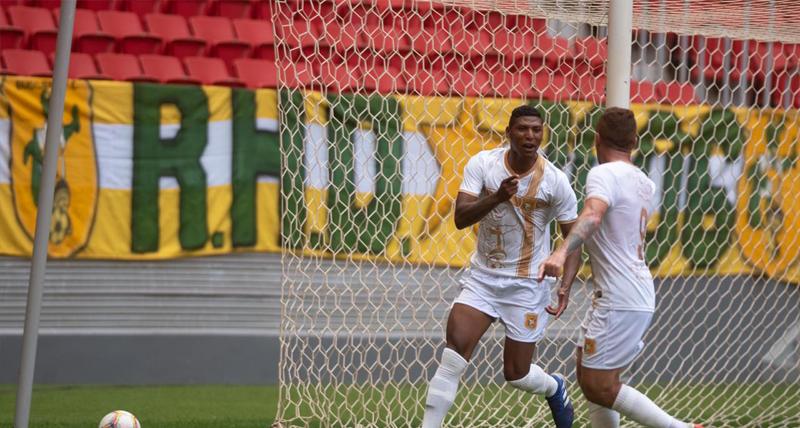 brasiliense-vence-o-luziania-e-esta-na-semifinal-do-candangao