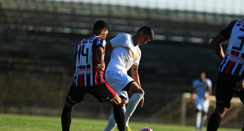 jogando-melhor-brasiliense-empata-com-o-atletico-de-alagoinhas