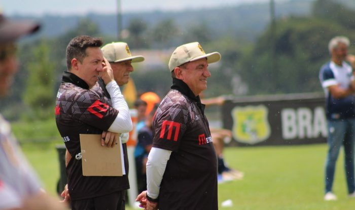 na-apresentacao-de-vilson-tadei-brasiliense-vence-o-luziania-por-51-em-jogo-treino