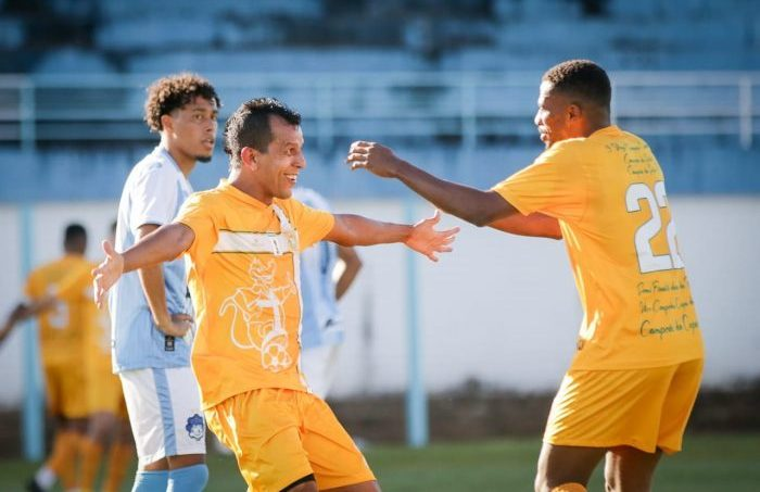 brasiliense-goleia-garante-vaga-na-final-e-quebra-recorde-de-vitorias-seguidas