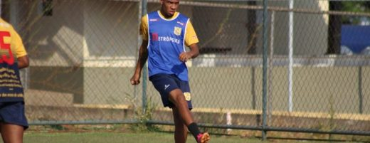 brasiliense-acerta-a-chegado-do-atacante-kesley